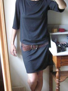 Couture - 14 du livre 5 des JCA - modèle entier de la robe sans la sous-robe.