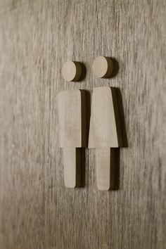 toilet sign マロニエ材 木製トイレサイン