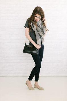 gray scarf + gray tee + skinny jeans + black bag + gray d'orsay flats