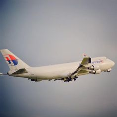 The soon to be gone Malaysia Airlines Boeing 747 freighter