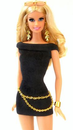 >Barbie dolls and the impressions of beauty they give to children Barbie Fashionista, Chic Chic, Look Chic, Barbie Dress, Barbie Clothes, Poupées Barbie Collector, Barbie Vintage, Vintage Dolls, Manequin