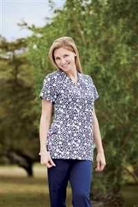 """Jockey Scrubs V-Neck; Zipper Pocket Print Top in """"Rhondo"""" 2206-513 Jockey Scrubs Soft V-Neck; Zipper Pocket Top    All zipped up, stylishly.    This top's versatility, style and functionality make it a top pick. An invisible nylon  zipper on an angled cell phone pocket add convenience, while side-seam hem  venting offers all-day comfort. Now in four new prints.  Tri-blend: 72% polyester, 21% rayon, 7% spandex  length: 27""""  Sizes: XxS-5X (Kiwi & Prints: XS-3X only)  style # 2206 $23.99…"""