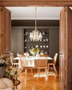 Classical Interior in Spain, design, décor, interior, Spain, warm, cozy, house, dining room