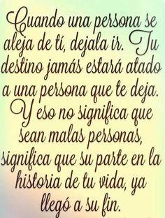 〽️Cuando una persona se aleja de ti, déjala ir...