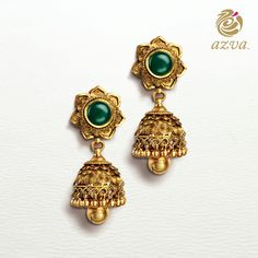 The bride does things her way! Do you think these earrings would make a beautiful hair ornament? Antique Jewelry, Gold Jewelry, Jewelry Rings, Jewelery, Gold Jhumka Earrings, Ring Earrings, Indian Wedding Jewelry, Indian Jewelry, Indian Jewellery Design
