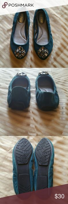 Me too suede flat shoes Like new me too Shoes Flats & Loafers