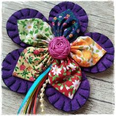 Best Sewing Projects For Beginners Felt 44 Ideas Cloth Flowers, Felt Flowers, Diy Flowers, Crochet Flowers, Fabric Flowers, Diy Crafts For Gifts, Crafts To Make, Beginner Felting, Fabric Flower Tutorial
