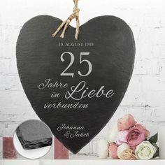 Das Schieferherz zur Silberhochzeit ist eine romantische und persönliche Geschenkidee für das Brautpaar mit Gravur.