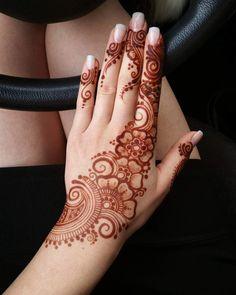 Henna Hand Designs, Dulhan Mehndi Designs, Mehandi Designs, Pretty Henna Designs, Henna Tattoo Designs Simple, Full Hand Mehndi Designs, Mehndi Designs For Beginners, Mehndi Designs For Girls, Mehndi Designs For Fingers