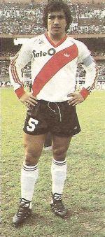Américo Ruben Gallego.Campeón Mundial con la Selección Argentina en FIFA World Cup Argentina 1978. Campeón con River Plate en Torneo Nacional 1981, Campeonato de Primera División 1985/86, Copa Libertadores de América 1986, Copa Intercontinental 1986 y Copa Interamericana 1987.