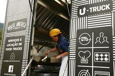 o QG fazendo seus queijos grelhados no U-Truck