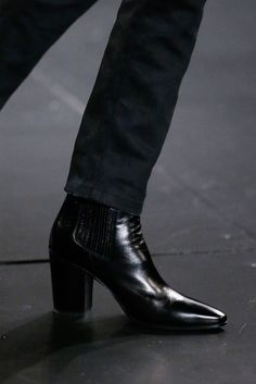 men's boots Saint Laurent - Fall 2015 Menswear - Look 12 of 98 Saint Laurent Stiefel, Saint Laurent Boots, Men In Heels, Men S Shoes, Mens Heeled Boots, Men In Boots, Dress With Boots, Men Dress, Shoe Boots