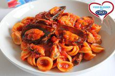 Orecchiette con sugo al peperoncino e cozze | Cirio @nomeblog  #foodblogger #pomodoro #ricetta #recipes #tomato #recipe #italianrecipe #Orecchiette #sugo #peperoncino #cozze