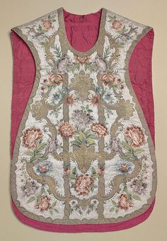 Embroidered Silk Chasuble - France - 1720's