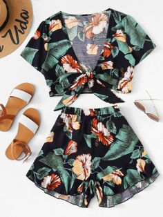 Tropical Print Knot Top & Ruffle Hem Shorts Set Source by maribelaldanadeestrada Dresses Hawaiin Party Outfit, Tropical Party Outfit, Hawaii Outfits, Honeymoon Outfits, Summer Outfits, Summer Shorts, Summer Clothes, Party Outfits For Women, Cool Outfits