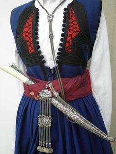 """Η αντρική φορεσιά της Κρήτης - Λαογραφικός Σύλλογος Κρητών Θεσ/νίκης """"Τ'αγρίμια"""""""