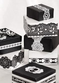Black & white lace tape - easy way to dress up simple packages. Bomboniere Ideas, Black And White Wedding Theme, Lace Tape, Altered Boxes, Pretty Box, Pretty Packaging, White Lace, Black White, White Damask