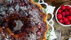 Berry Merry Christmas Cake