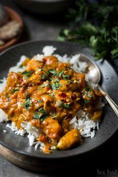 Simple Indian Tikka Masala with Chicken – Ina Eats – Rezepte Poulet Tikka Masala, Pollo Tikka, Tandoori Masala, Chicken Tikka Masala, Tikki Masala, Pasta Recipes, Chicken Recipes, Healthy Chicken, Indian Food Recipes