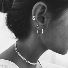 Ear cuffs Jupiter - Pair of ear cuffs - Elf earrings - Ear crawler - Ear cuff no piercing - Ear wraps - Ear cover earrigns - Custom Jewelry Ideas Cute Ear Piercings, Cute Earrings, Hoop Earrings, Cartilage Earrings, Cute Jewelry, Crystal Earrings, Bling, Diamond, Tattoos