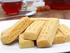 How To Make Classic Shortbread Cookies - Oola.com Walkers Shortbread Cookies, Scottish Shortbread Cookies, Shortbread Biscuits, Cookies Et Biscuits, Homemade Shortbread, Shortbread Recipes, Cookie Recipes, Dessert Recipes, Fudge Recipes