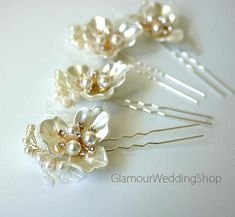 Wedding Hair Pin Bridal Hair Pins Bridal Headpiece Bridal Hairpiece Wedding Hair Bridal Hair Accessory Bridal Hair Piece Light and Beautiful hair piece all hand made. Measures 4 long X 3 inches at the widest points Thank you for visiting my shop.