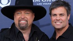 FOX NEWS: Troy Gentry of Montgomery Gentry dead: Celebrities react Beloved country singer Troy Gentry of Montgomery Gentry was killed Friday in a helicopter crash in New Jersey just before the band was due to perform at a resort.