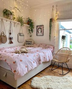 Love this styling by @deecampling What do you think? Follow me @my_homely_deco...-#bedroominspiration #bedroominspo Dream Rooms, Dream Bedroom, Fall Bedroom, Comfy Bedroom, Bohemian Bedroom Decor, Boho Dorm Room, Bohemian Interior, Luxury Interior, Interior Styling