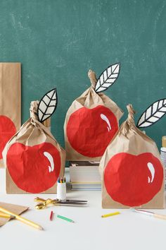 DIY apple brown bags - love this kids back-to-school activity!
