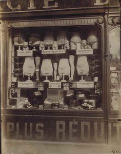 Views & Reviews Eugène Atget's lost Photographs of Paris Photography http://bintphotobooks.blogspot.nl/2016/11/views-reviews-eugene-atgets-lost.html