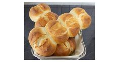 Recipe bar rolls like from the baker by Sybis_Rezepte - recipe in the bread category in crockpot meals to make tortillas amish bread bread recipes Amish Sweet Bread Recipe, Amish Bread, German Bread, Good Food, Yummy Food, Vegan Sweets, Bread Rolls, Pampered Chef, Bread Baking