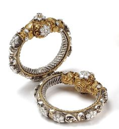 By Surana Jewellers. Shop for your wedding jewellery, with a personal shopper & stylist in India - Bridelan, visit our website www.bridelan.com #Bridelan #weddinglehenga #Bridestobe #brides #Indian #ethnic #jewellery #indianjewellery #accessories #bangles