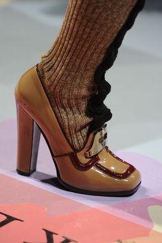 Prada Fall 2010 Ready-to-Wear Fashion Show Details