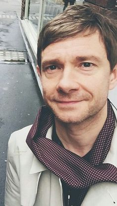 Martin Freeman. Ain't he adorable? (Even when he insists on telling us to fuck ourselfs :))