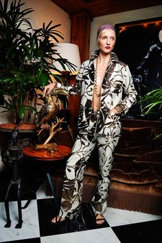 For Restless Sleepers Spring 2016 Ready-to-Wear Collection Photos - Vogue