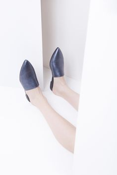 Dyan creates unique leather shoes that comes from the designer's personal vision and inner sensitivity. Leather Shoes, Pure Products, Collection, Fashion, Leather Dress Shoes, Moda, Leather Boots, Fashion Styles, Leather Booties