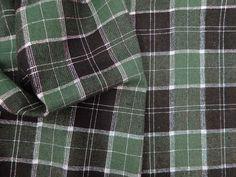 XADREZ ESCÓCIA LUREX            Tecido encorpado, com padrão xadrez padrão escocês e fios de lurex. Ideal para modelagens estruturadas.  Sugestão para confeccionar: casacos, blazers, vestidos, saias, entre outros.