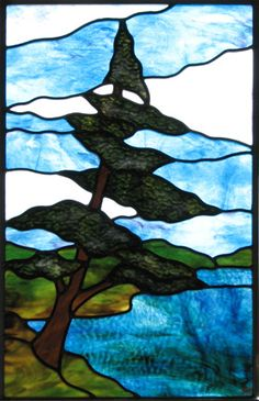 How To Make Beach Glass art - Broken Glass art Old Cds - - - Modern Stained Glass, Stained Glass Designs, Stained Glass Projects, Stained Glass Patterns, Stained Glass Tattoo, Stained Glass Paint, Stained Glass Panels, Glass Wall Art, Sea Glass Art
