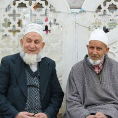 Faces of Kashmir! Photo by @najmus1000 #kashmir #srinagar#kashmiri #fatalframes #visualsgang #worldface #postthepeople #splendid_people #great_captures_people #allbeauty_addiction #loves_people #big_shotz #livecolorfully #special_shots #peopleinframe #superhubs #peopleinsquare #peoplecreatives #wu_japan #main_vision #all_my_own #thebest_capture #photowall #phototag_it #shotaward #ig_eurasia #fotogulumse #allwhatsbeautiful #igs_world