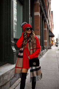 winter outfits ropa invierno Unordinary Winter Outfits Ideas You Will Love - Let us not forget the lovable, protective, bold and devoted Dachshund in the variety of small dog clothing. Yes, this breed of tenacious yet playful, . Winter 2018 Fashion, Winter Fashion Outfits, Fall Winter Outfits, Autumn Winter Fashion, Winter Scarf Outfit, Red Scarf Outfit, New York Winter Outfit, Dress Winter, Casual Winter