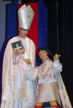 Bishop and Farquaad Shrek Costume, Halloween Costumes, Shrek Wedding, St Michael, Beautiful World, Picture Show, Musicals, Legs, Costume Ideas