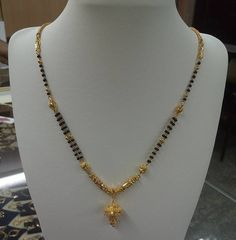 Trendy Models of Artificial Mangalsutra Designs To Give A Real Gold Look Gold Chain Design, Gold Ring Designs, Gold Bangles Design, Gold Earrings Designs, Simple Necklace Designs, Bracelet Designs, Jewelry Design, Gold Bangles For Women, Gold Mangalsutra Designs