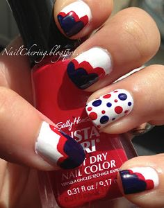 """Nail """"Cher""""ing Independence Day Cloud and Dot Mani"""