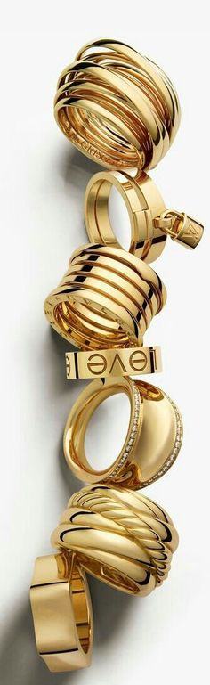 Like the one w/ the lock... But w/out the lock. Lol