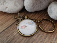 Schlüsselanhänger - Cabochon Schlüsselanhänger bronze - Vögelchen - ein Designerstück von Trullas-Reich bei DaWanda