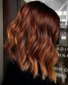 The Prettiest Copper Hair Colors For Winter Short Hair Trends, Trending Haircuts, Auburn Hair, Fall Hair, Winter Hair, Hair Today, Balayage Hair, Hair Looks, New Hair