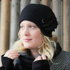 МАНТЕЕЛИ  Очаровательная зимняя шляпка в стиле 30-х годов!Цвета: белый, оранжевый и черный