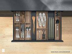 AMBIA-LINE for LEGRABOX in wood design. New design from Blum of drawer box with custom internals for use throughout the home Kitchen Organization, Kitchen Storage, Wooden Cutlery Tray, Wood Insert, Solid Wood Kitchens, Drawer Inserts, Drawer Design, Wood Design, Kitchen Accessories