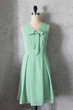 from etsy  http://www.etsy.com/listing/125170987/madeline-sage-mint-green-dress-with?ref=sr_gallery_4=sr_5254c26663f14f171b8a2884f39837af03b2f1c9fb7d2ebf60d486a9708abc32_1371484994_14104254_dress_search_query=bridesmaid+dress+mint+green_order=most_relevant_view_type=gallery_ship_to=US_page=3_search_type=all