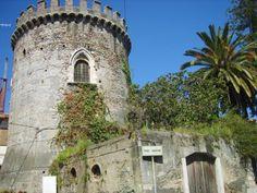 "La ""Torre Saracena"" di #Roccalumera...https://www.facebook.com/typicalsicily.it/photos/p.912671215459109/912671215459109/?type=1… #typicalsicily"